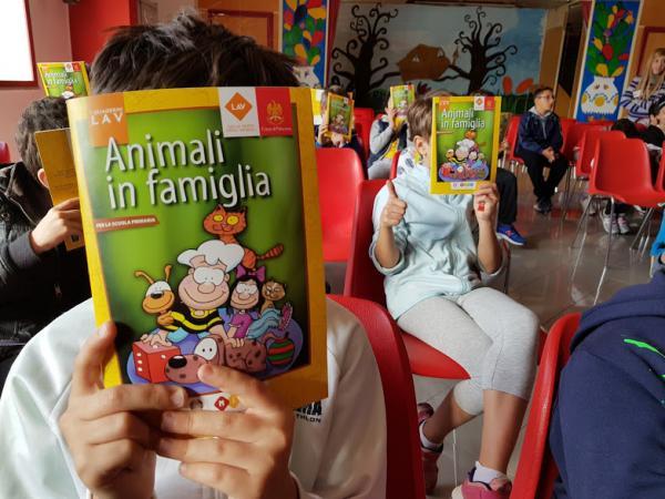 Palermo, LAV a scuola per cani e gatti randagi