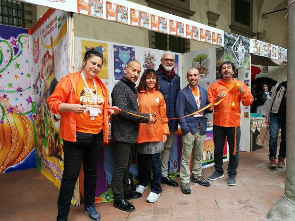 L'inaugurazione dello stand LAV con Aldo Gottardo del CdA di Lucca Crea e Francesco Battistini, presidente del Consiglio Comunale di Lucca